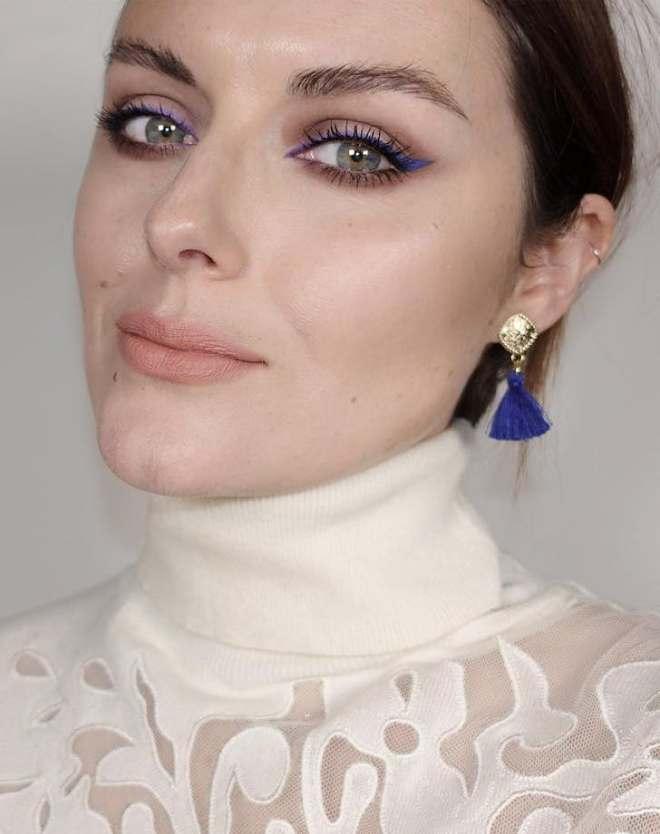 blue_eyeliner